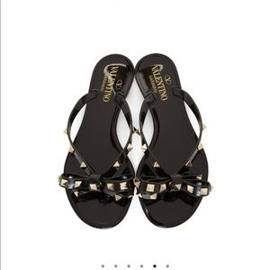 Black Valentino rock stud bow flip flops